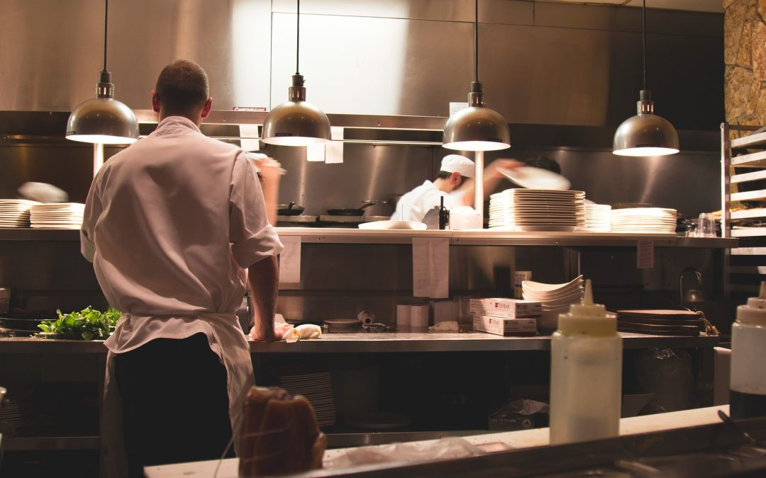 How to clean a garbage disposal for restaurants and hotels